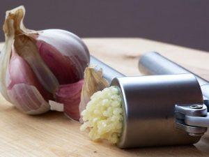 garlic works to reduce